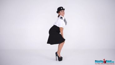 lizzie-naked-officer-104