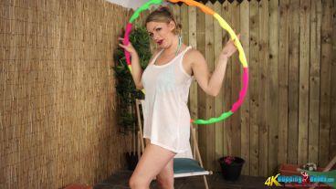 penny-l-hula-hoop-hottie-106