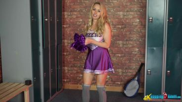 sarah-g-college-cheerleader-111