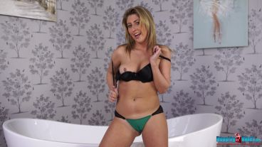 sophie-star-easily-convinced-113