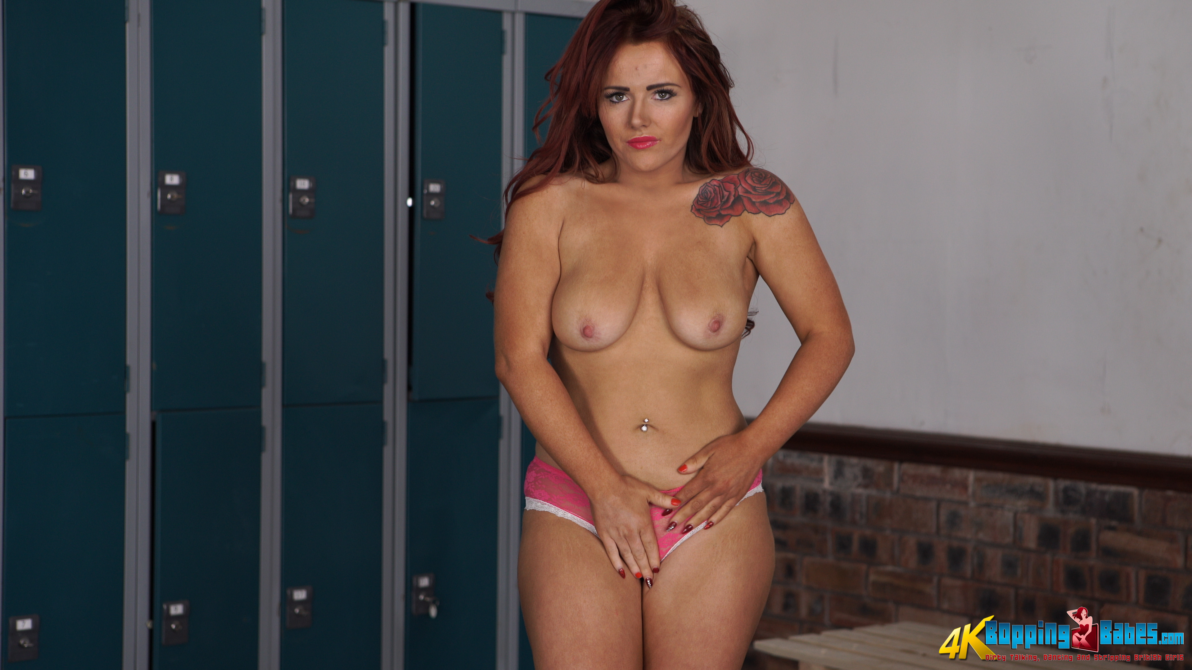 sexy curvy nude chicks