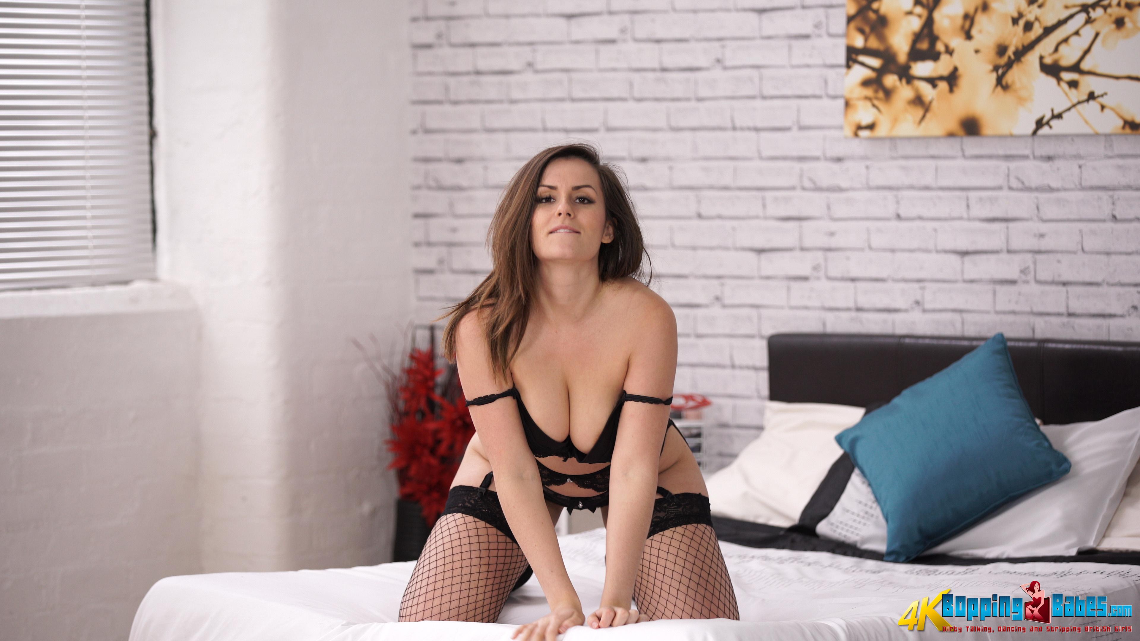 A little striptease in my zipdown top 6
