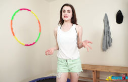 lola-rae-bouncing-around-106
