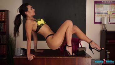 laura-s-stripteacher-124