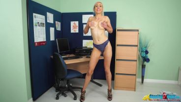 sapphire-office-distractions-119